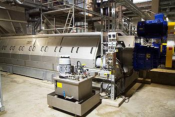 Montage von Kompaktpressen mit Einzelgewichten von 16 t